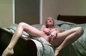 Cam: Scorching Platinum-blonde Filthy..