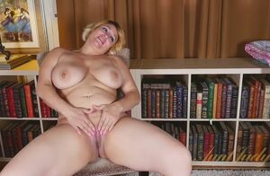 Lush cougar have fun in front of camera