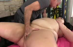Mature Plus-size rubdown