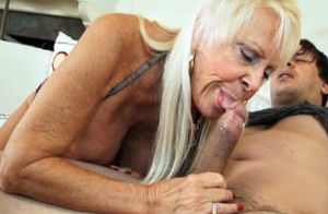 Scorching Grandmas Deep-throating..